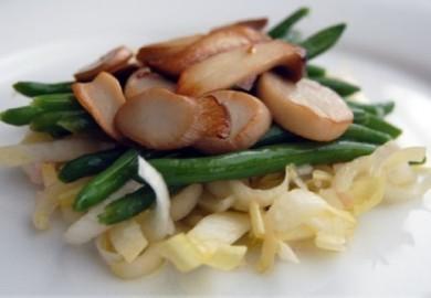 Salad nấm Đùi gà, đậu Cove